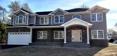 Syosset Single Family Home For Sale: 9 Lilac Dr