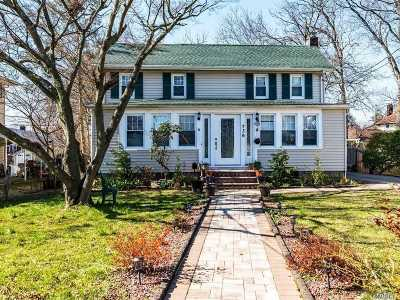 Single Family Home For Sale: 736 Scranton Ave