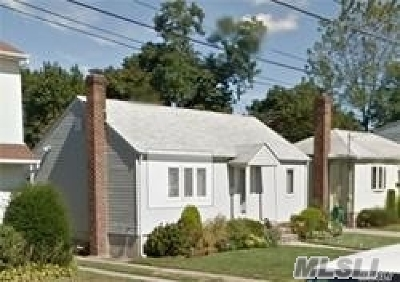 Farmingdale, Hicksville, Levittown, Massapequa, Massapequa Park, N. Massapequa, Plainview, Syosset, Westbury Single Family Home For Sale: 12 Waters Ave
