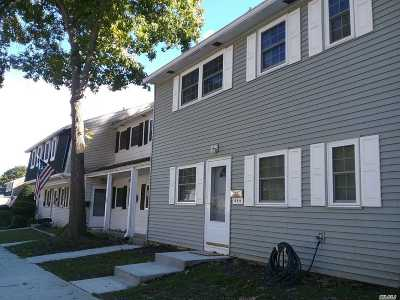 Hauppauge Co-op For Sale: 466 Village Dr