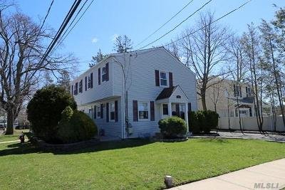 Syosset Single Family Home For Sale: 12 Orchard St