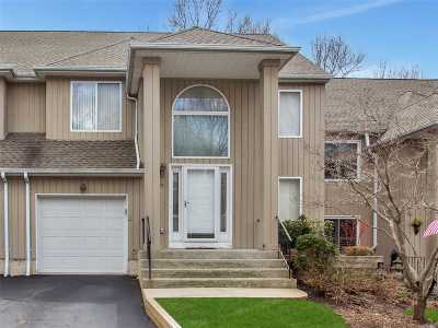 Smithtown Condo/Townhouse For Sale: 20 Stone Gate Ct