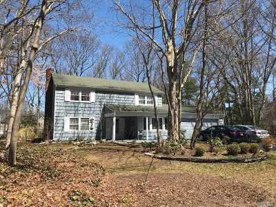 Stony Brook Single Family Home For Sale: 7 Burgess Ln
