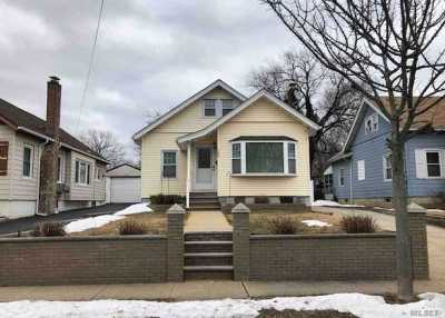 Freeport Single Family Home For Sale: 165 S Brookside Ave