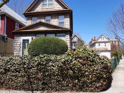 Flushing Single Family Home For Sale: 155-19 Delaware Ave