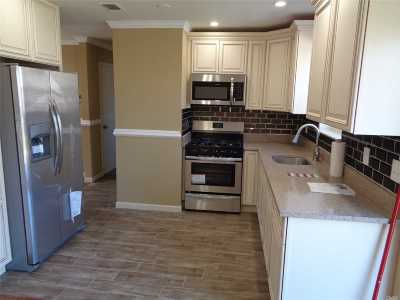 central Islip Single Family Home For Sale: 36 Walnut St