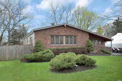Smithtown Single Family Home For Sale: 9 Penn Dr