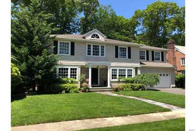 Rockville Centre Single Family Home For Sale: 12 Kenwood Ct