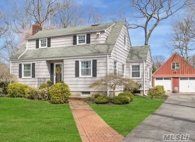 Smithtown Single Family Home For Sale: 15 Clearbrook Dr