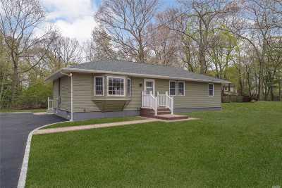 Medford Single Family Home For Sale: 50 Park Ln