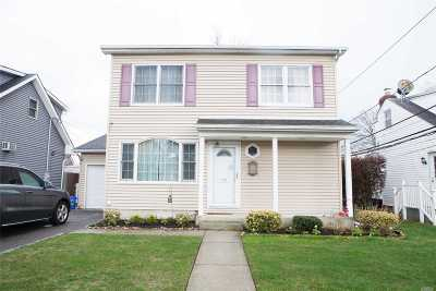 Williston Park Single Family Home For Sale: 122 Lafayette St