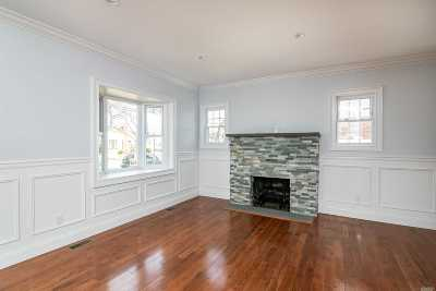 Single Family Home For Sale: 26 Wynsum Ave