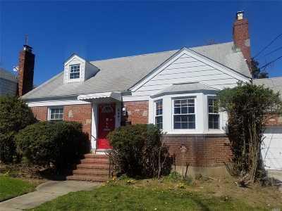 Oceanside Single Family Home For Sale: 3421 Frederick St