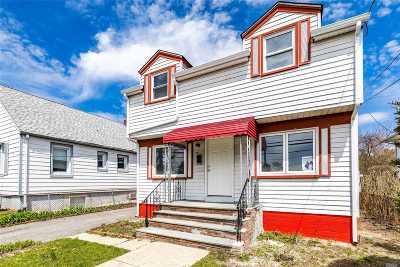 Westbury NY Single Family Home For Sale: $449,000