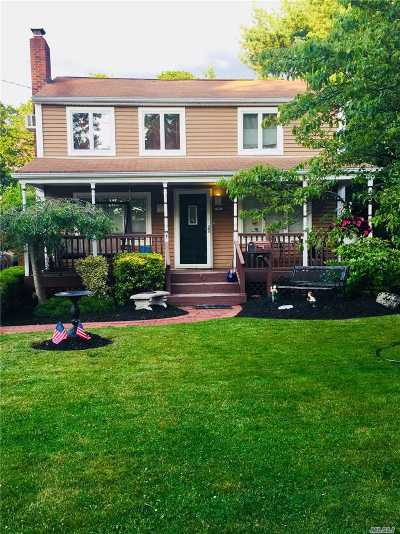 Patchogue Single Family Home For Sale: 93 Washington Ave