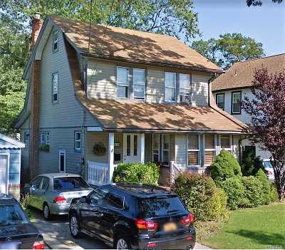 Lynbrook Single Family Home For Sale: 114 Edmund St