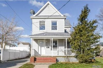 Freeport Single Family Home For Sale: 74 Westend Ave