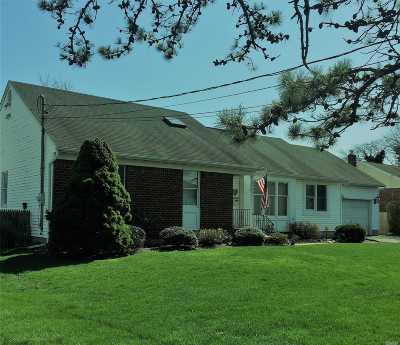 N. Bellmore Single Family Home For Sale: 2466 Hart Ave