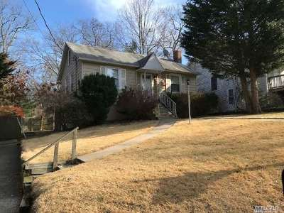 Sound Beach Single Family Home For Sale: 6 Whitestone Rd