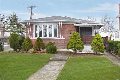 Fresh Meadows Single Family Home For Sale: 53-03 199th St