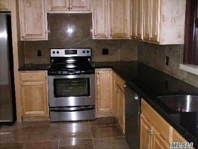 Nesconset Single Family Home For Sale: 44 Mayfair Rd