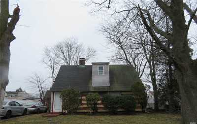 Levittown Single Family Home For Sale: 97 Albatross Rd