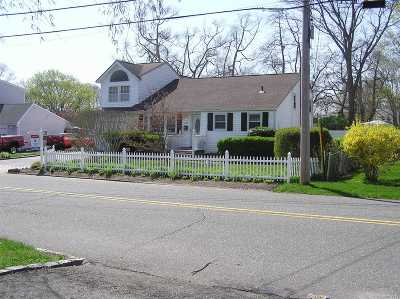 Lake Ronkonkoma Single Family Home For Sale: 108 Foster Rd