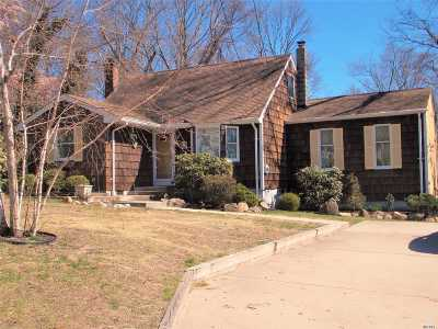 Farmingville Single Family Home For Sale: 62 Hazel Ave
