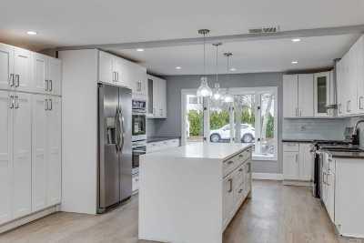 Bellmore Single Family Home For Sale: 2621 Rebecca St