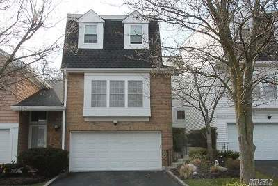 Syosset Single Family Home For Sale: 82 Hidden Ridge Dr