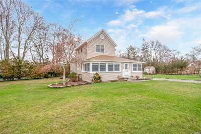 Mattituck Single Family Home For Sale: 595 Bay Ave