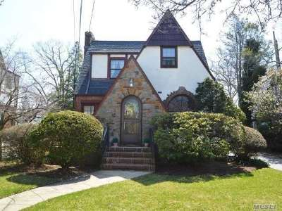 Malverne Single Family Home For Sale: 86 Ackley Ave