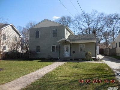 Babylon Single Family Home For Sale: 323 Litchfield Ave