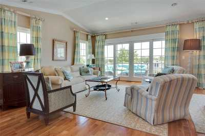 Freeport Condo/Townhouse For Sale: 38 Ocean Watch Ct #38