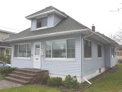 Single Family Home Sold: 733 Stowe Ave