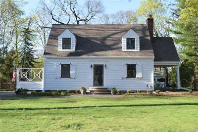 Huntington Single Family Home For Sale: 176 Maple Hill Rd