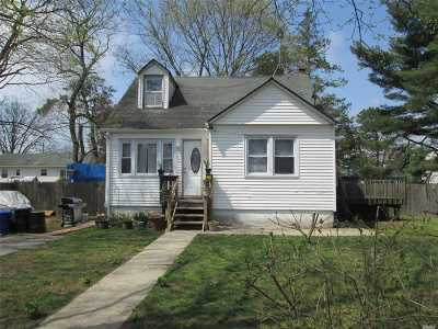 Central Islip  Single Family Home For Sale: 235 Tree Ave