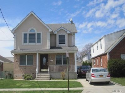 Floral Park NY Single Family Home For Sale: $818,888
