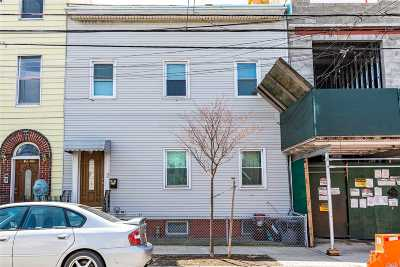 Long Island City Multi Family Home For Sale: 1044 E 47 Rd