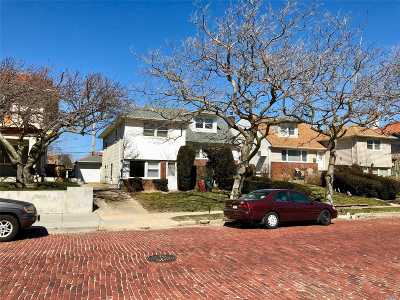 Long Beach Single Family Home For Sale: 167 W Penn St