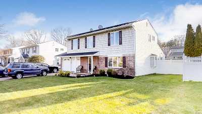 Nesconset Single Family Home For Sale: 22 Yarmouth Ln