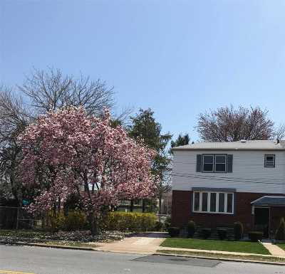 Whitestone NY Single Family Home For Sale: $895,000