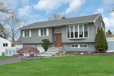 Smithtown Single Family Home For Sale: 21 Greenwich Rd