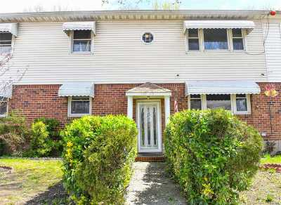 Ozone Park Multi Family Home For Sale: 135-25 Hawtree St