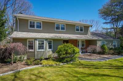 Smithtown Single Family Home For Sale: 15 Woodland Ln