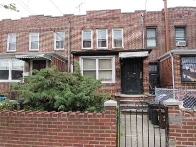 Woodside Single Family Home For Sale: 37-07 63rd St