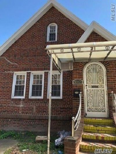 Fresh Meadows Single Family Home For Sale: 158-20 72nd Ave