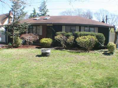 Ronkonkoma Single Family Home For Sale: 388 Fir Grove Rd