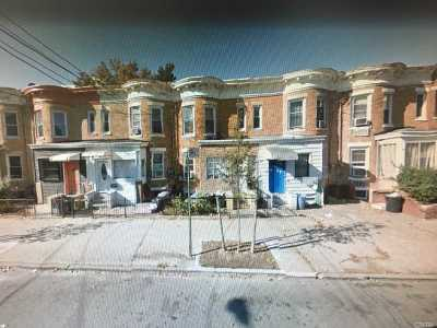 Brooklyn Multi Family Home For Sale: 84 Forbell St