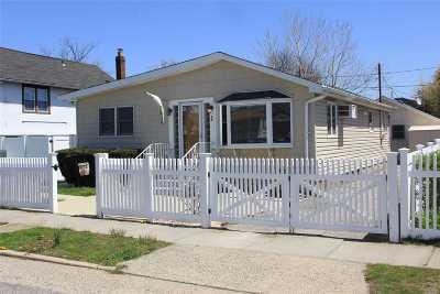 Island Park Single Family Home For Sale: 73 Lorraine Rd